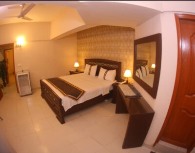 Royal Inn Guest House (Delux Room 2)