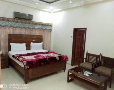 New Royal Residency (Double Room 5)